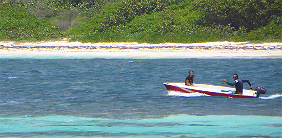 taking the boat to le galion reef with sxm surf explorer