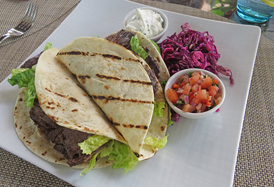 zemi beach tacos at 20 knots restaurant
