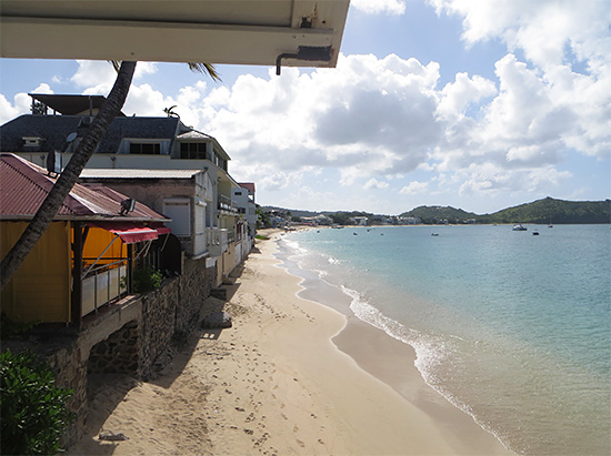 looking down the beach from ocean 82