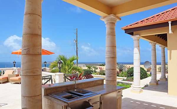 exterior wet bar at villa soleil