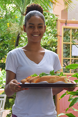 waitress at le bon pain