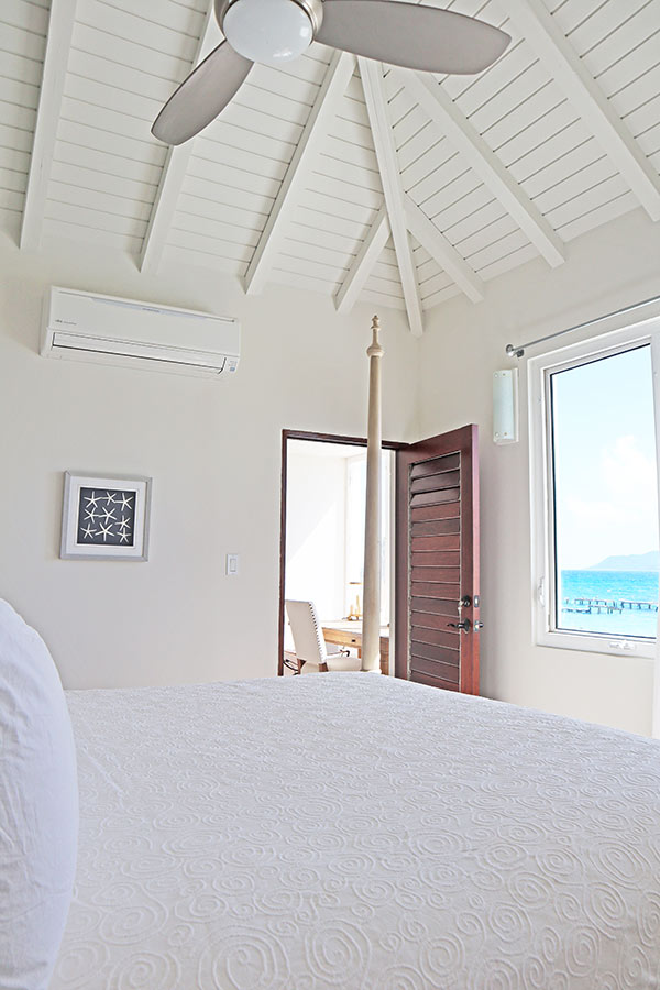 Beach Escape Villa bedroom