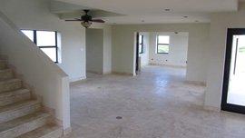 Interior Pic #1: Look Left