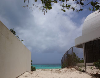 public beach access to shoal bay west