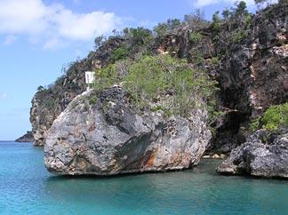 The cliffs of Little Bay