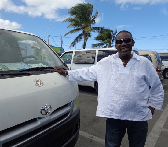 Anguilla taxis, Howell Hughes