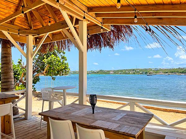 arawak beach club bar