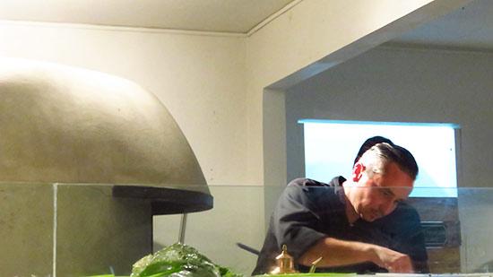 chef juergen preparing pizzas