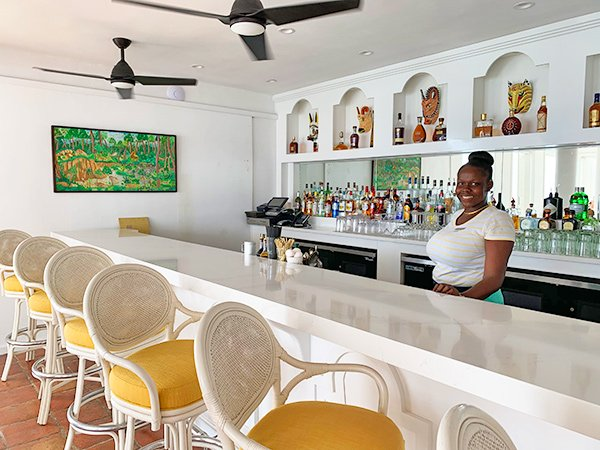 the bar at malliouhana