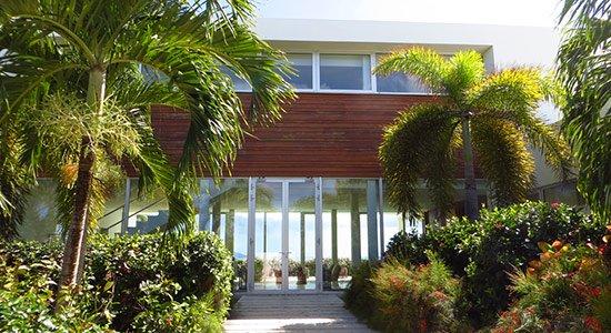 entrance at beaches edge