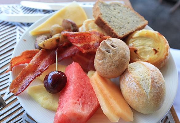 Buffet Breakfast At Coba