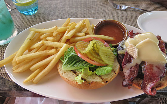 Zemi Beach Knots Burger with brie cheese