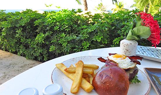 gourmet burger at malliouhana