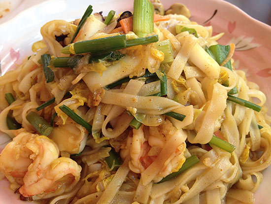 seafood chow mein at cha cha san