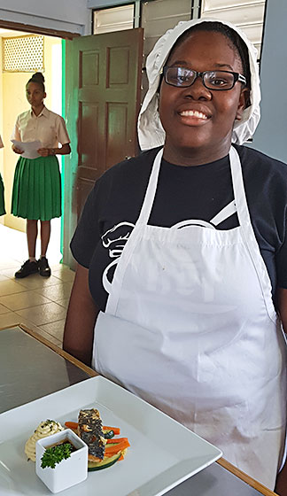 chef dyesha hodge with her dish