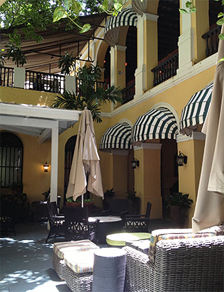 courtyard at el convento hotel