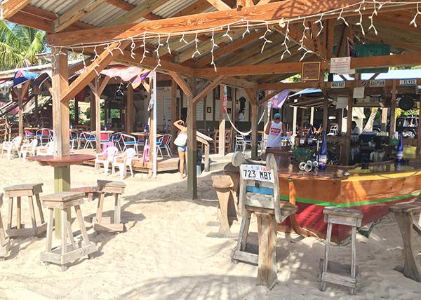 elvis beach restaurant on sandy ground