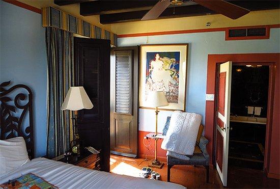 gloria vanderbilt bedroom