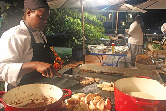 grilling mahi mahi and lamb at cuisinart bbq