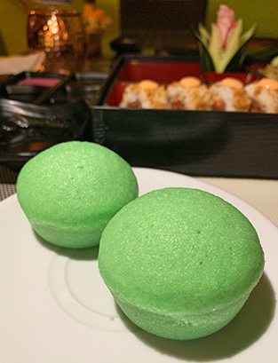 Steamed Rice Cakes at oishi