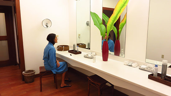 beauty area at womens locker room in venus spa