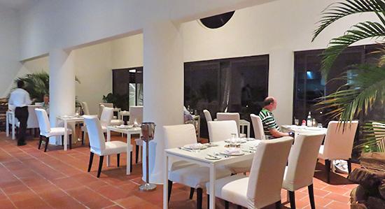 inside covecastles restaurant