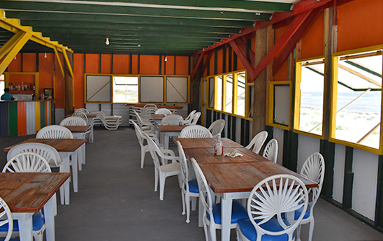 Dining area at Palm grove on Savannah bay