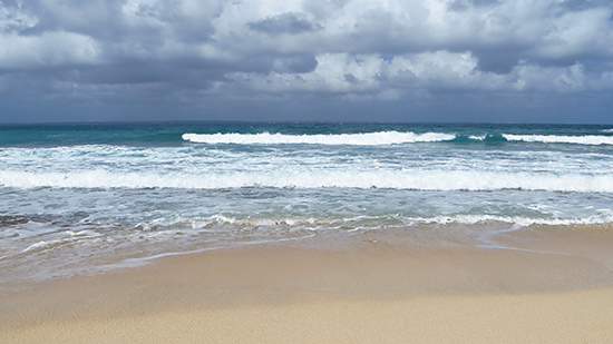 the waves in st. martin