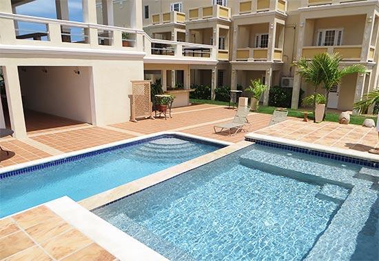 pool at la vue
