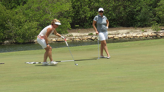 ladies putting at anguilla open in 2014