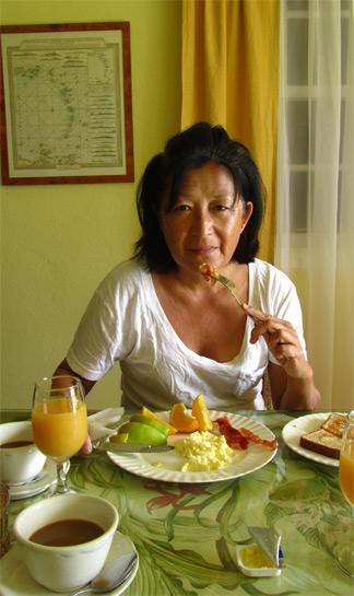 mom breakfast lloyds