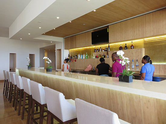 the lobby bar at the reef