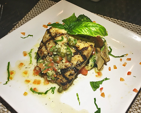 mouth watering mahi mahi with a vegetable stir fry