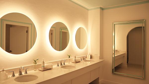 spa bathroom mirrors??