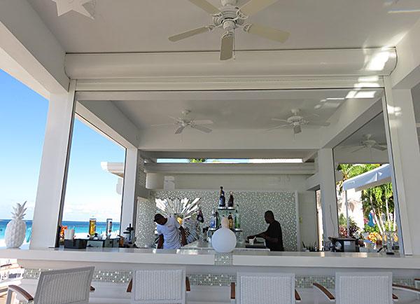 the bar at manoah ocean beach club