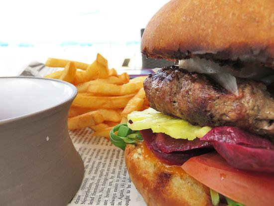 manoah beef burger