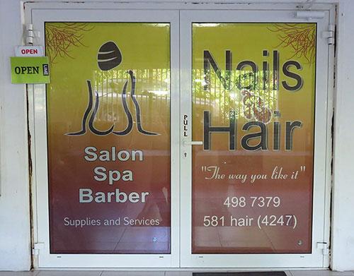 nails-r-har salon entrance