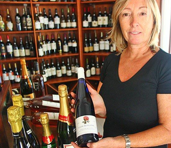 nathalie with rose clos beylesse at grands vins de france