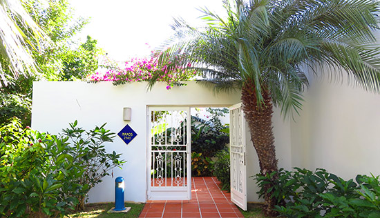 entrance to villa suite naxos 2300 at cuisinart