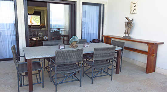 penthouse outdoor dining space at zemi beach