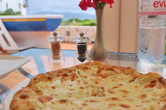 wood oven pizza at cafe med