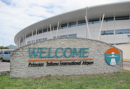 princess juliana airport st-maarten sign