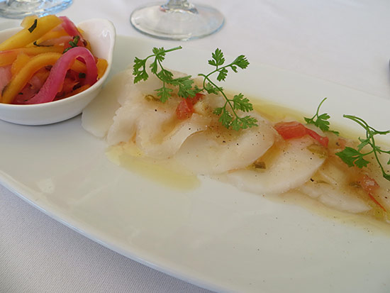 scallop appetizer at ocean 82