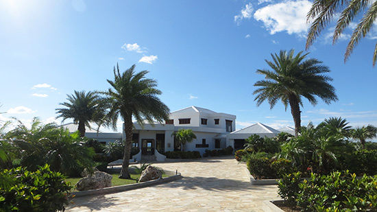 approaching harmony villa, one of the villas at sheriva