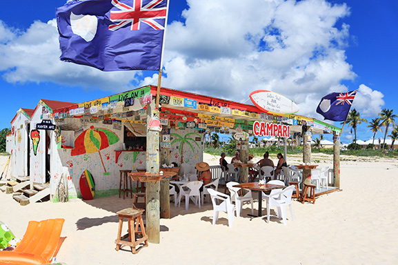 Sunshine Shack beachbar N Grill bar and seating area
