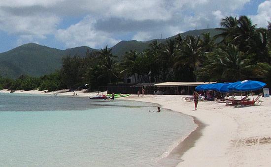 tropical wave restaurant on galion beach
