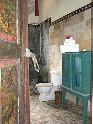 master bathroom at villa hibernia