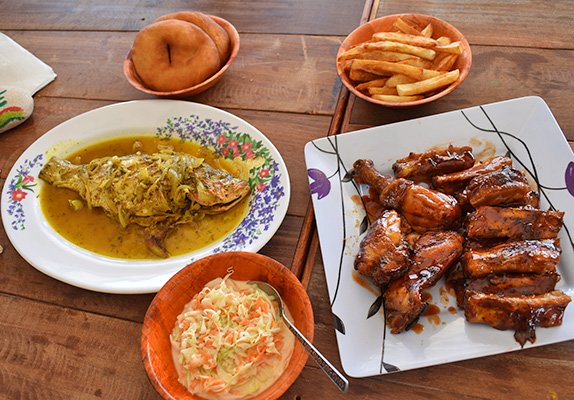 BBQ ribs and chicken combo at palm grove