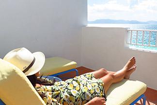 yuki taking in the sun at cuisinart suite