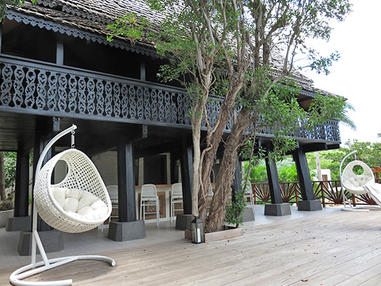 juice bar and lounge deck at zemi thai house spa